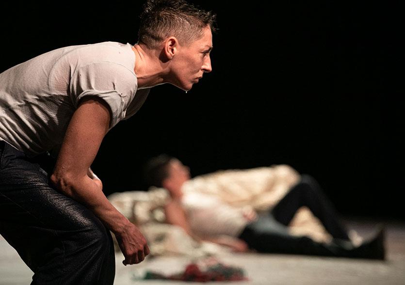 Photo de scène du spectacle COMPASS, © Renato Mangolin