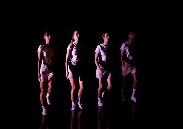 Photo du spectacle LES PAPILLONS LA NUIT de Sarah Eltschinger, © Nicolas Brodard